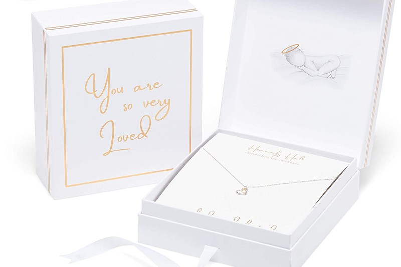 remembrance necklace, retail packaging design, rigid box